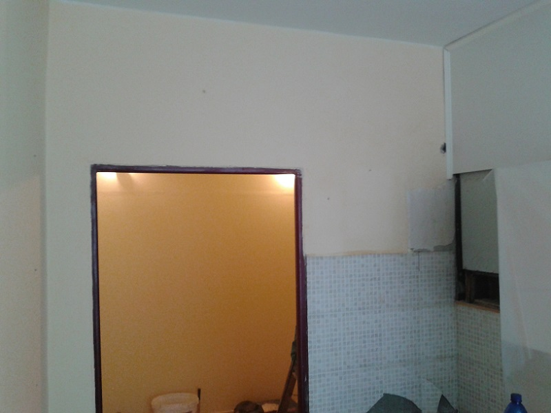 Demolácia panelovej steny vPrievidzi Dlhá ul.
