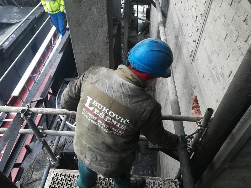 Lešenie ku káblovým mostom vo Fortischem a.s. Nováky pre PPA ENERGO s.r.o. Bratislava
