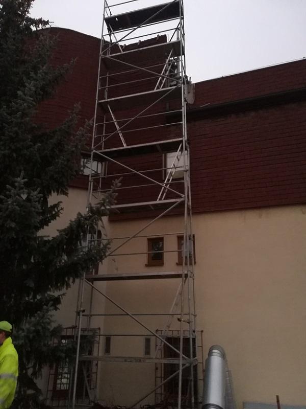 Montáž lešenia pre vzduchotechniku vPrievidzi ulica Vansová Prievidza