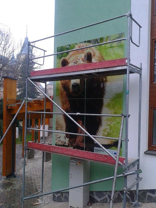 Montáž lešenia vZOO Bojnice – pavilón opíc pre Artexe s.r.o. Bratislava