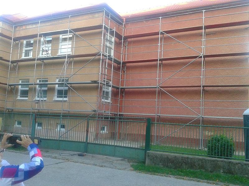 Obnova fasády – má byť Prenájom lešenia na MŠ D. Krmana vPrievidzi pre Lechstav s.r.o. Prešov